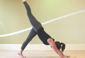 yoga braccia schiena